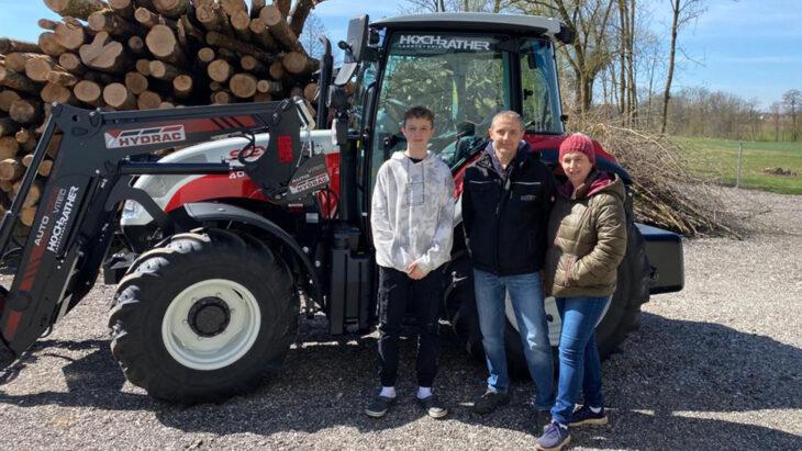 Traktorübergabe An Familie Michlmayr