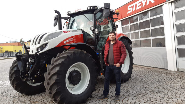 Traktorübergabe An Thomas Mühlberghuber