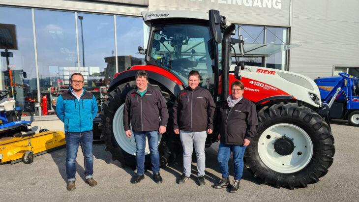 Traktorübergabe An Familie Wahlmüller