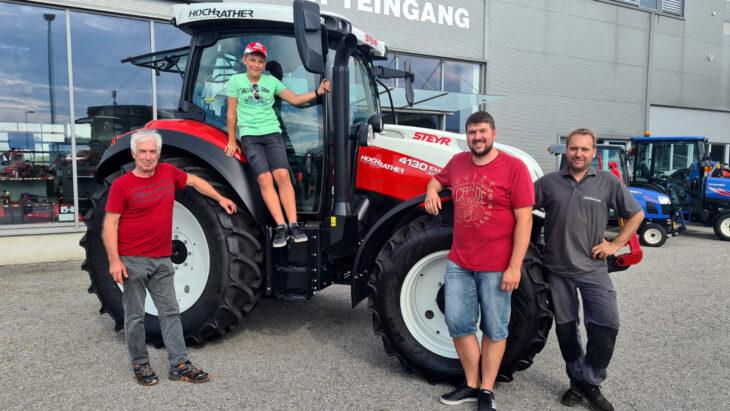Traktorübergabe An Familie Woisetschläger