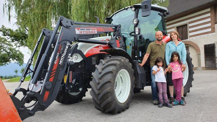 Traktorübergabe An Familie Buchberger